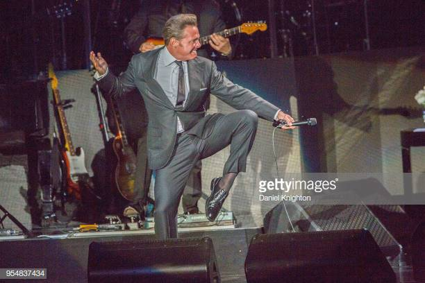 Luis Miguel at Allstate Arena