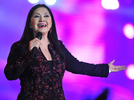 Ana Gabriel at Allstate Arena