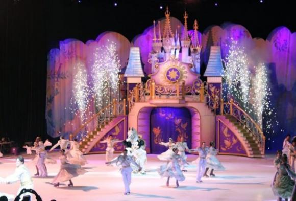 Disney On Ice: Dare To Dream at Allstate Arena